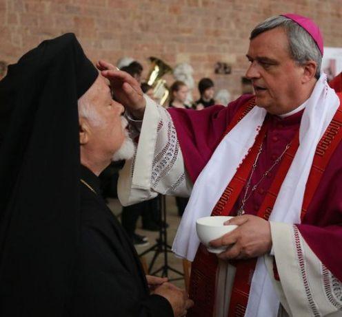 Imagini pentru tradarea ierarhilor ortodocsi
