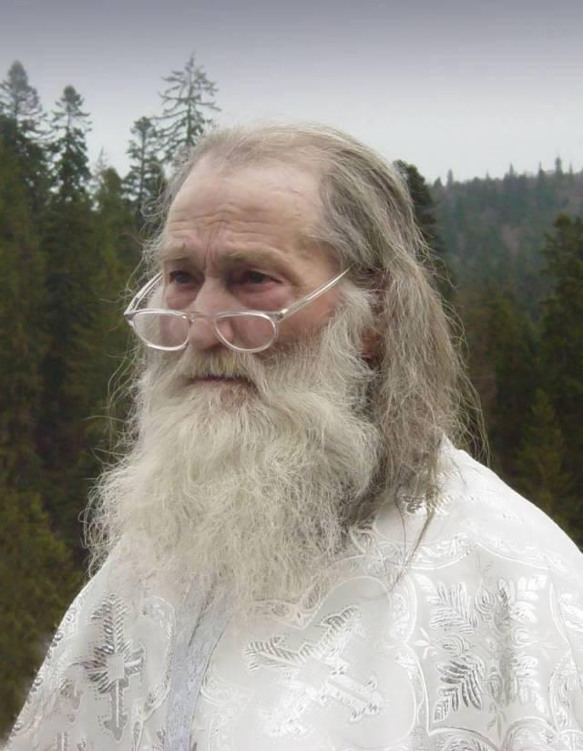 Parintele Justin la-Sf.-Maslu-2004